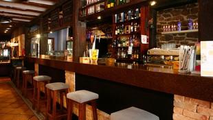 Barra de nuestro restaurante en Zaragoza