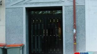 Renovación de puerta de entrada