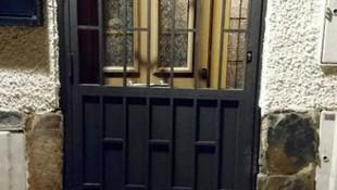Fabricación de puertas de hierro