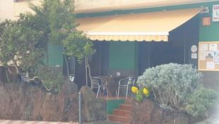 Nuestra terraza con vista al Teide y la Isla de la Gomera, les esperamos....El Hierro esta de moda..