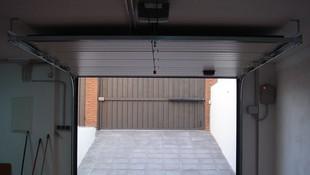 Instalación de automatismos para puertas seccionales