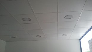 Iluminación para un local comercial con downlight de led de 25w