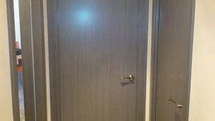 Puertas barnizadas en color coto ceniza