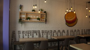 Restaurante especializado en platos americanos en Móstoles