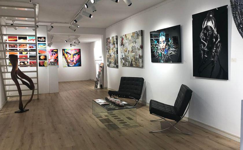 Galería de arte contemporáneo en el casco antiguo de Ámsterdam