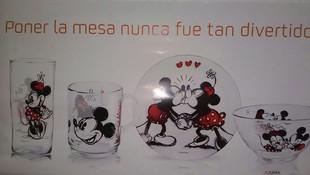 Promocion Disney ,por cada 500 litros + 1 euro obtendra un divertido plato ,vaso,bol o taza.segun desee.