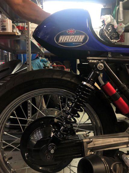 Amortiguadores HAGON SHOCKS para la moto de carreras V65