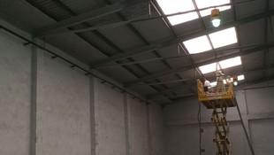 Protección de estructura metálica mediante proyección de lana de roca