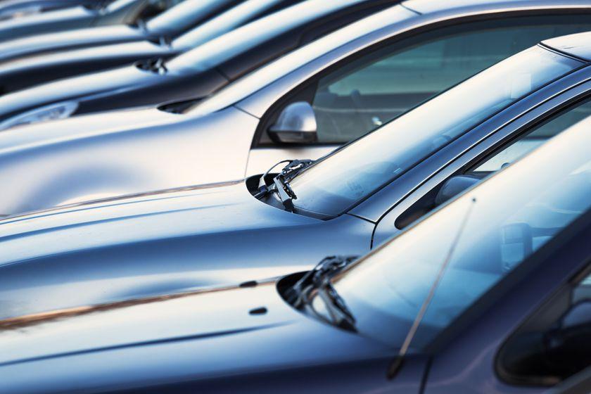 Más de 90 coches en stock