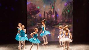 Academia de danza con clases de ballet clásico en Oviedo