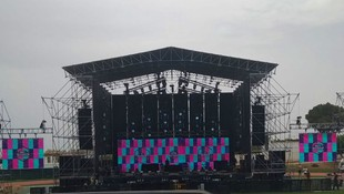 Montaje de pantallas gira Nicky Jam 2019