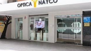 Entrada principal a la Óptica Nayco