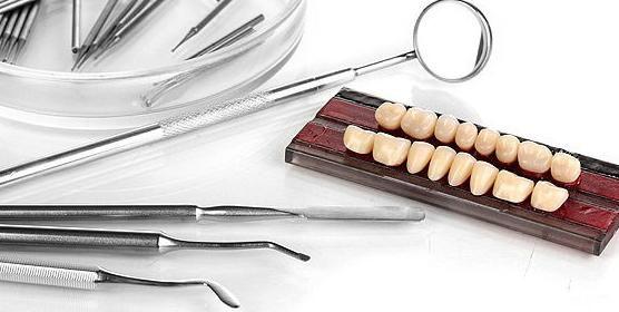 Prótesis dentales con excelente relación calidad precio en Málaga