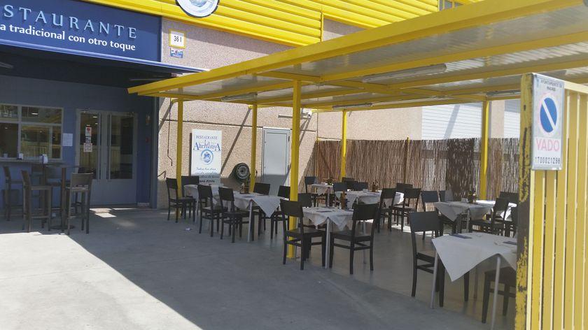 Restaurante con terraza exterior