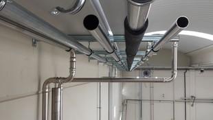 Montaje de tuberías de acero inoxidable para aire y fluidos