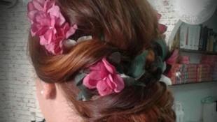 Recogido con detalles de flores