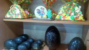 tartas y huevos de pascua