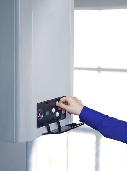 Instalación y mantenimiento de calentadores, calderas...