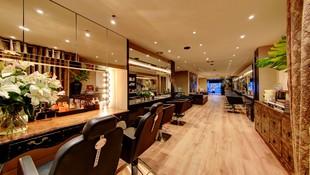 Tratamientos capilares, cambios de look, manicura, servicios especiales para novias y eventos...