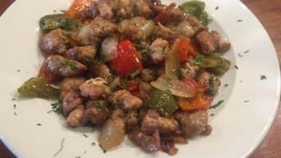 Mollejas de cordero con verduritas fritas en Segovia