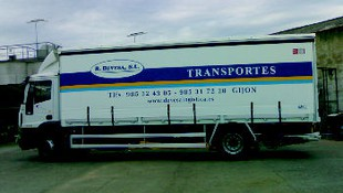 CAMION TAULINER 8 M