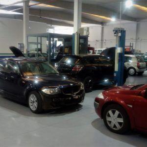 Taller mecánico y coches de ocasión