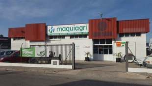 Servicio de taller y reparación propio de maquinaria agrícola
