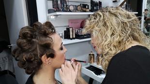 Peluquería que cuenta con expertas maquilladoras para eventos