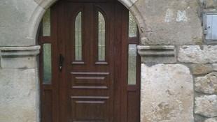 Fabricación puertas garaje y automáticas , ventanas, terrazas, halls, persianas, vidrios...