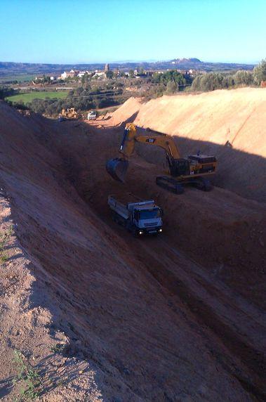 Asistencia técnica a proyectos y apoyo topográfico a pie de obra.