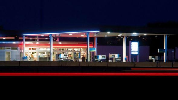 000 gasolinera gasolina estacion de servicio repostar  (2)