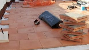 Impermeabilizacion y aislamiento de terraza transitable sin obras. Vivienda en Oliva (Valencia)