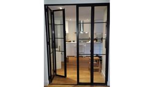 Puertas correderas de hierro y cristal en Madrid