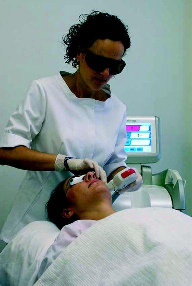 Fototerapia facial