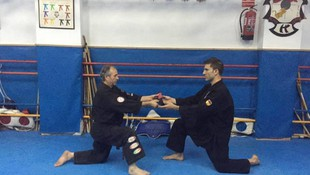 Ángel Ruiz cinturón negro 5º Grado de kenpo en su gimnasio de las rozas