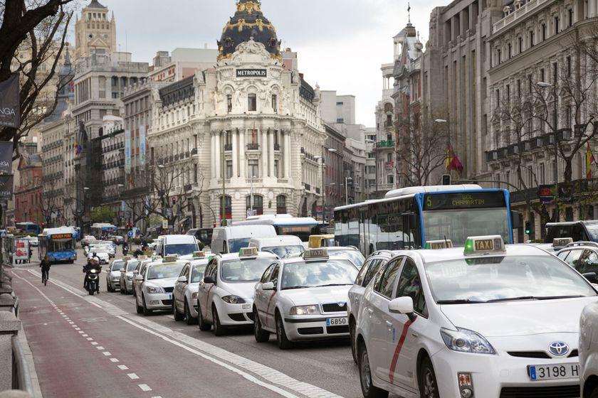 Viaja cómodo y seguro en Taxi