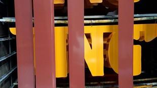 Lacado de carteles metalicos