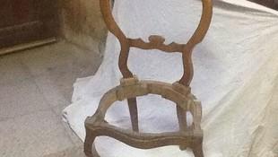 Restauración de sillas de madera en Pamplona