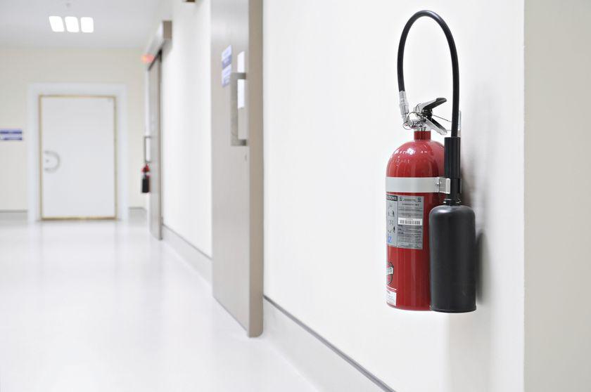 Mantenimiento de material contra incendios