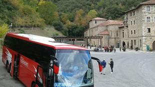 Autobuses para viajes de asociaciones y peñas