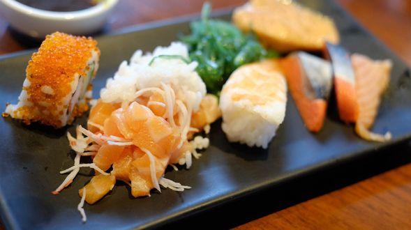 Japanese-cuisine-sushi_1920x1080
