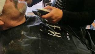 Recortando la barba para lucirla impecable