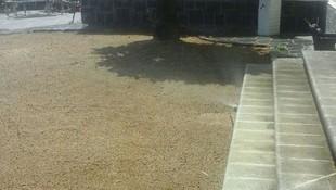 Preparación de jardín para colocación de césped artificial