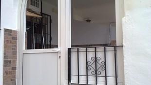 Instalación de puertas de aluminio