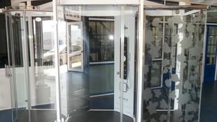 Mamparas de ducha de aluminio