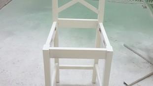 lacado en blanco de silla