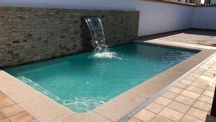 Piedras antideslizantes para todo tipo de piscinas en Valmojado