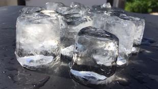 Cubitos de hielo transparentes para eventos