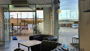 Mantenimiento de cristales en cafeterías, restaurantes y comercios de hostelería.