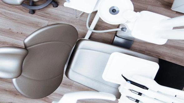 chair-2589771_960_720 (1)
